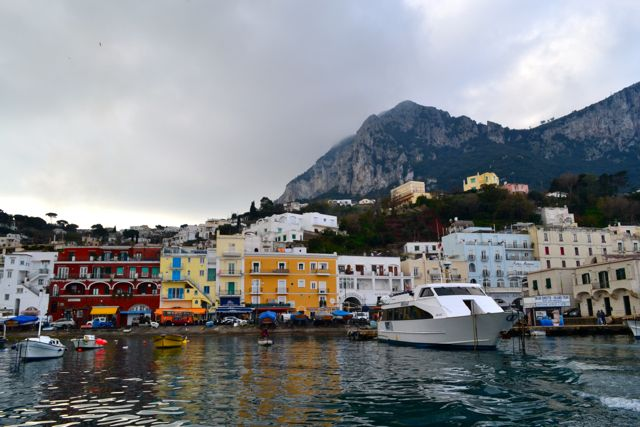 Arriving at the harbor of Capri.