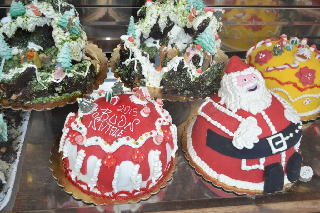 Christmas cakes in Italy