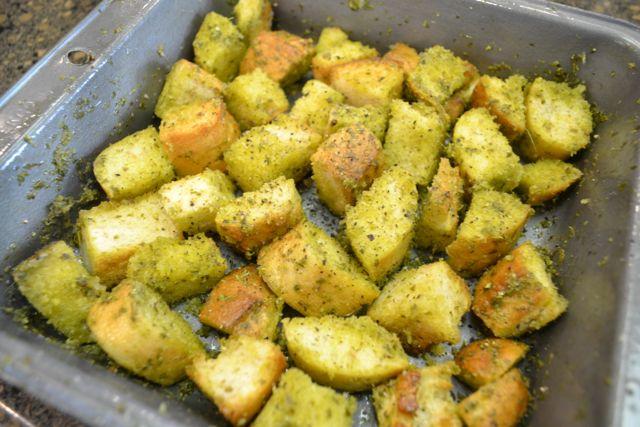 Pesto croutons