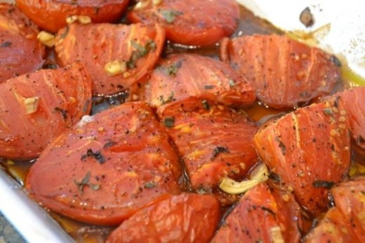 The roasted tomatoes used in the filling.